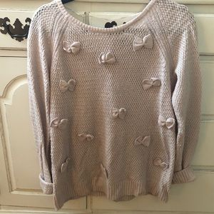 Chic LC Pink Sweater with Bows